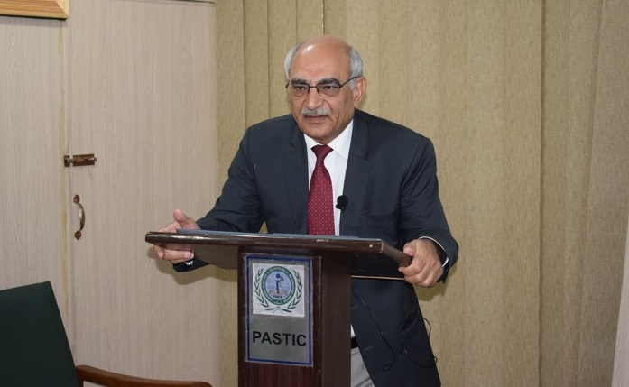 "Professor Dr. Anwar-Ul-Hussan Gilani delivering talk on ""How Fasting can improve health and promote wellness"" on 3rd may 2018 at PASTIC national Centre Islamabad"