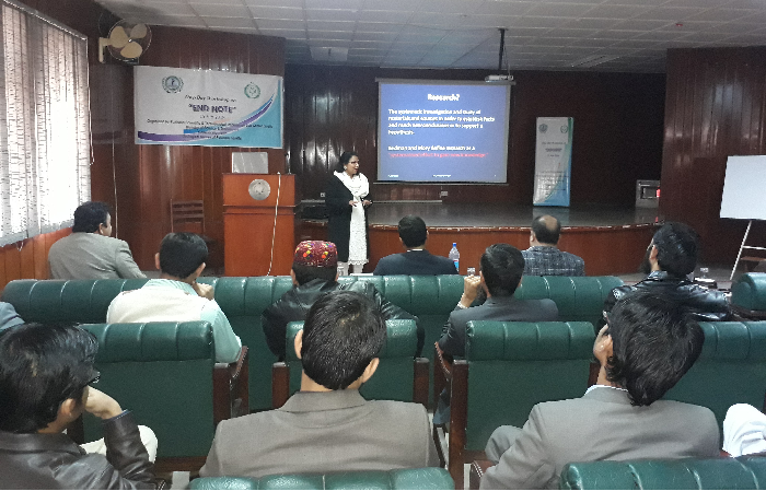 Dr. Umbreen Shaheen (P.Hd—UK) Assistant Professor (Zoology Department) University of Balochistan Delivering a presentation on ENDNOTE