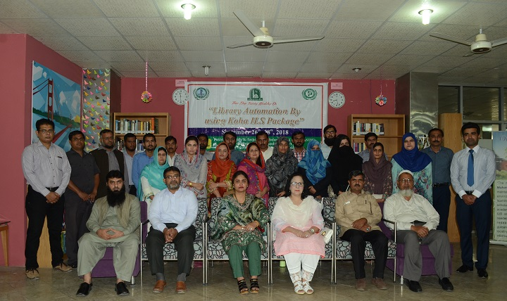 Group photo of participants of workshop ... n & Literature Review Step By Step..J